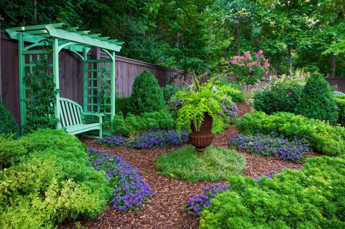 Декорирование сада: не бойся сделать мир лучше