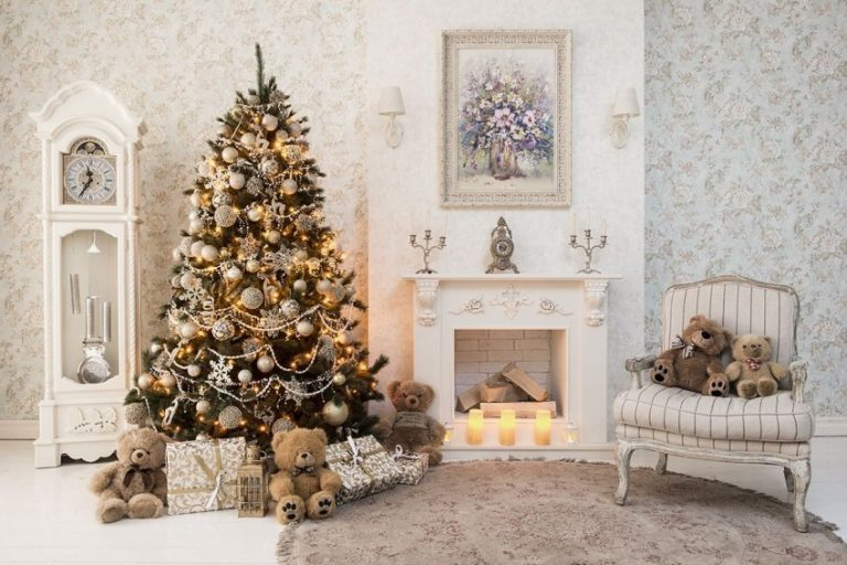 Как украсить елку на Новый год 2021: лучшие идеи и фото